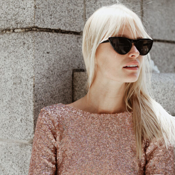 sunglasses with black frames - buy online - iamtrend