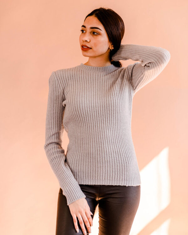 High-Neck-Knit---Light-Grey