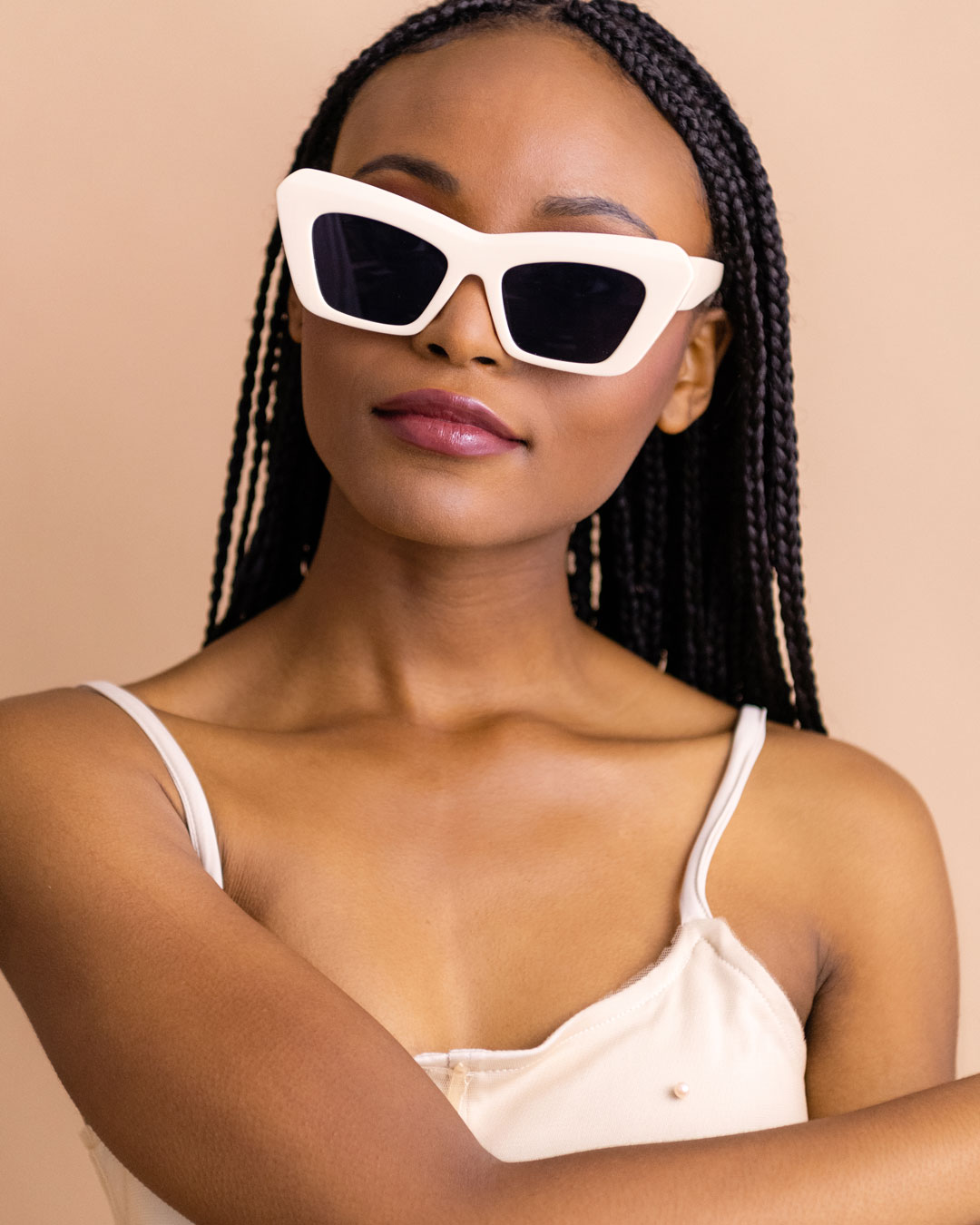 Ecru Cateye Sunglasses on girl